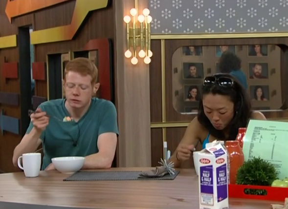 BB15-Live-Feeds-0701-andy-helen