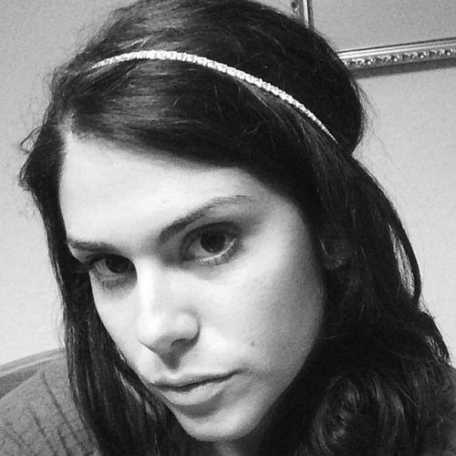 Big Brother 2013 Spoilers – Amanda Zuckerman models crystal crown